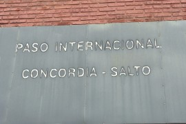 Argentina to Uruguay Border Crossing: Paso International Concordia-Salto